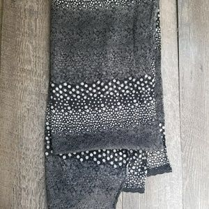 Apt. 9 Accessories - Black and White Scarf